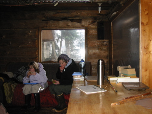 Lunchbreak in the main cabin.