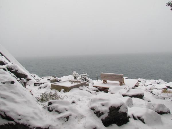 Zeiger veranda in snow