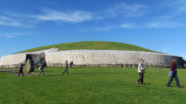 Michelle and Aly at Newgrange